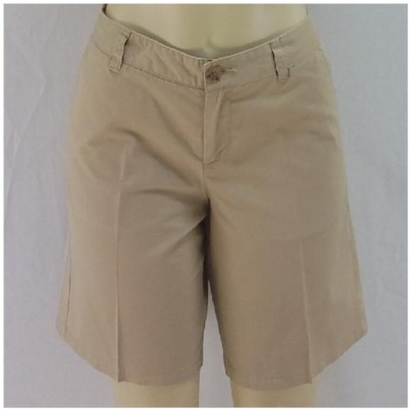 Pants - Flat Front Walking Shorts, size 6